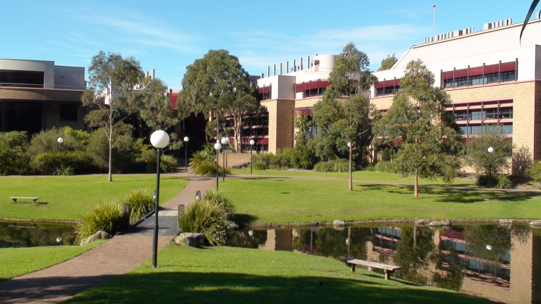 Uni_of_Wollongong_Science_buildings