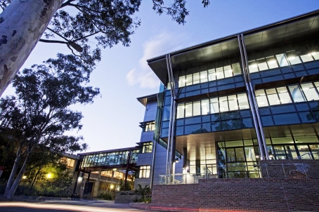 University of Wollongong, Australia, signs agreement with Abdullah Gü University, Turkey