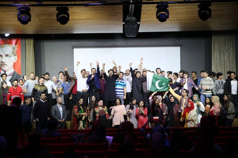 Abdullah Gül University, AGU Intercultural Series, Pakistan, gorup photo